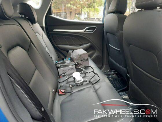 MG HS Pakistan Backseat