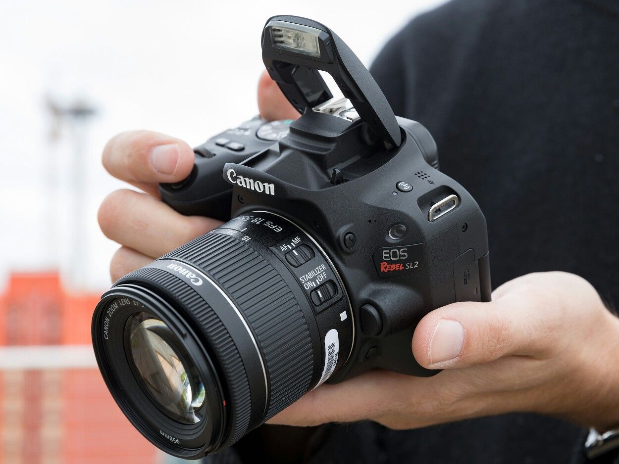 Best DSLR Cameras to Buy in Pakistan 2020 - Prices and Specs!