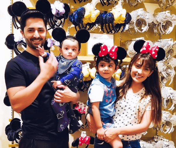 Ayeza Khan - Top 10 Clicks When She Had The Best Time With Family!