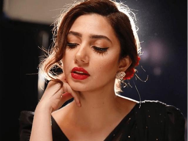 Mahira Khan Reveals She Fixed Set By Hammering The Nails - Video!