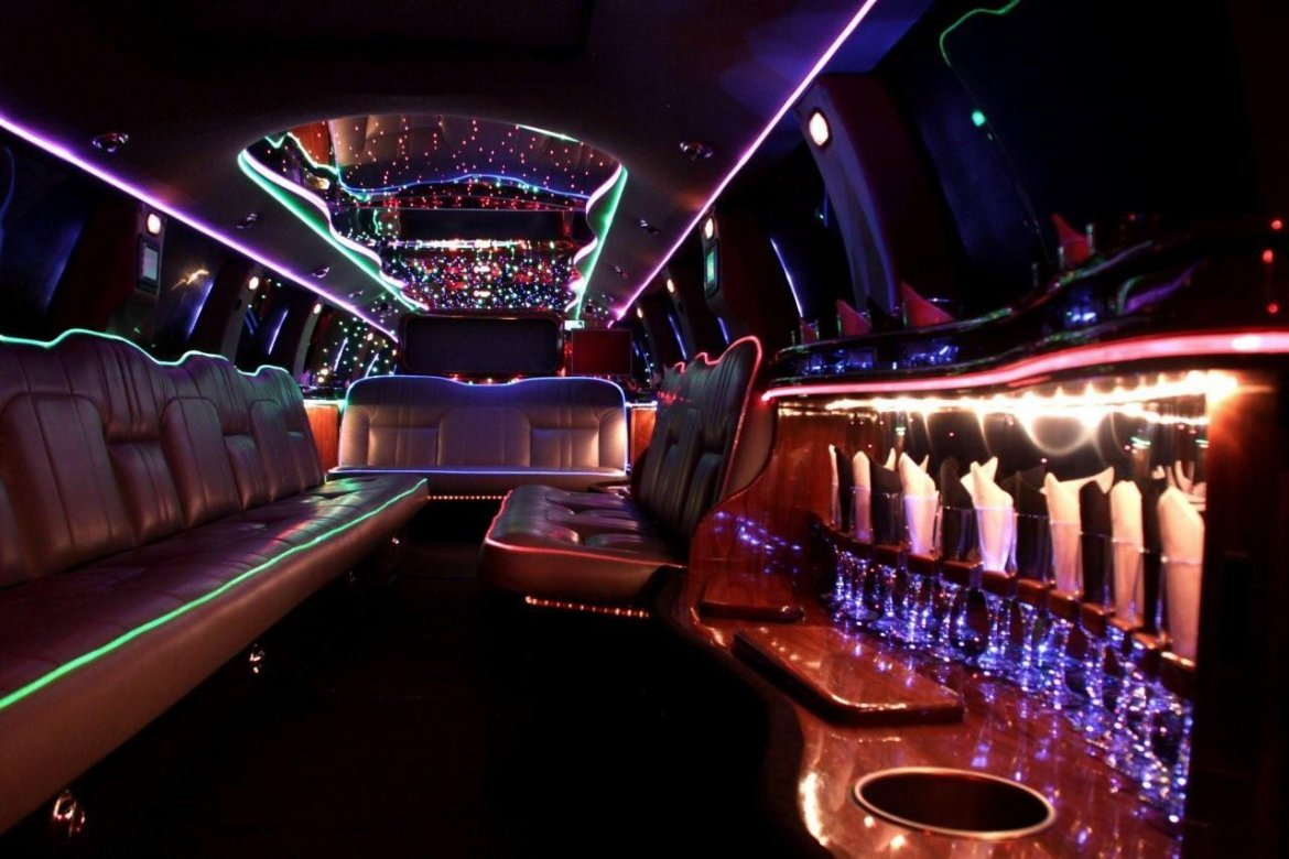 Limousine Car 2020 - Price in Pakistan, Features and Images