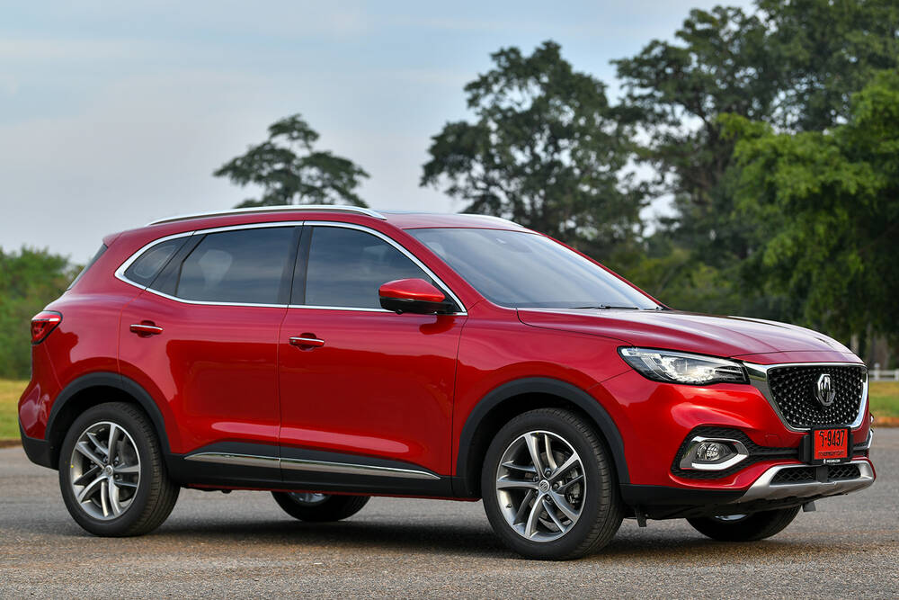 MG HS Vs. KIA Sportage - Which One is a Better Option?