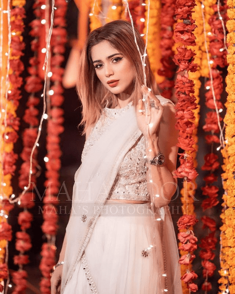 Aima Baig Hits The Dance Floor At Her Sister's Wedding - Videos Inside!