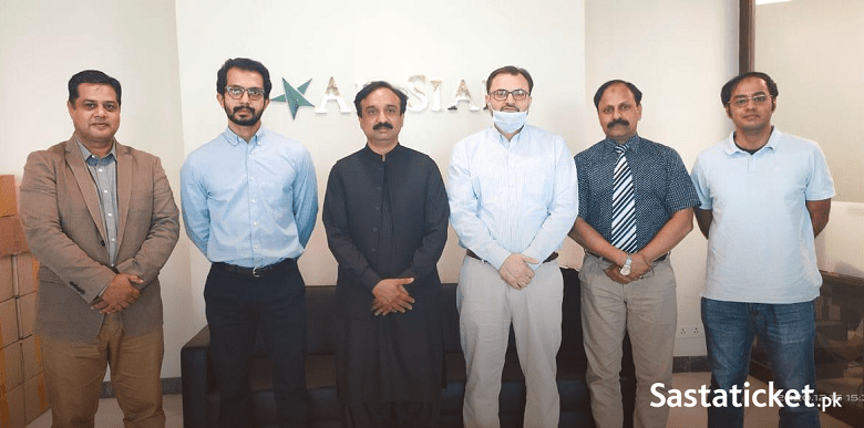 """AirSial - The Sialkot-based airline AirSial is all set to launch its domestic flight operations from December 25, 2020. The airline, which is an Rs 3.5 billion project of the members of Sialkot Chamber of Commerce and Industry, is Pakistan's third privately owned airline.  Initially AirSial will be relying on three Airbus A320-200s which have been leased from AerCap in Dublin. The carrier, which aims to become the leading airline of the region, will be running scheduled flights between Karachi, Islamabad, Lahore, Sialkot and Peshawar in the first phase but plans to extend operations to the Middle East in two years. AirSial was inaugurated by Prime Minister Imran Khan earlier in December at a ceremony held in Sialkot.  The prime minister called the launch as """"a very important step for the airline industry in Pakistan."""" The CEO Sastaticket.pk Mr. Shazil Mehkri remarked that the launch of Pakistan's third private airline will give a much-needed stimulus to the local aviation industry and provide customers with more travel options. AirSial flight tickets are now available for online booking on Sastaticket.pk which is Pakistan's leading online travel booking portal."""