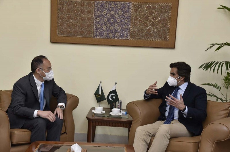agriculture sector - The Minister for Economic Affairs Khusro Bakhtiar has said that agriculture is one of the key sectors for Pakistan's economy and emphasized that Pakistan and China should deepen and expand co-operation in the agriculture sector under the CPEC umbrella to enhance productivity and value addition. Talking to the new Chinese Ambassador Nong Rong at his Office in Islamabad on Wednesday, the minister congratulated him on his appointment to Pakistan and hoped that Pakistan-China ties will further deepen and strengthen based on his experience and professionalism. The minister for economic affairs appreciated the assistance extended by the Chinese government to fight the COVID-19 pandemic. Khusro Bakhtiar underlined that Pakistan and China are strategic partners and both Countries supported each other on the issues of their core interest. In the meeting, they noted that the strategic partnership should set the basis for strong economic partnership, and the China Pakistan Economic Corridor (CPEC) is a transformational initiative in this regard. The minister hoped that the 10th Joint Coordination Committee (JCC) will be successful and that the implementation of important socio-economic, energy, transport, infrastructure projects, and Special Economic Zone (SEZ) development will be expedited. The Chinese ambassador appreciated the minister's support and expressed that Pakistan-China relations would grow further under the leadership of the two Countries. Nong Rong conveyed the Chinese government's full support to CPEC and resolved that Pakistan and China should further deepen their bilateral cooperation at the bilateral and multilateral institutions.