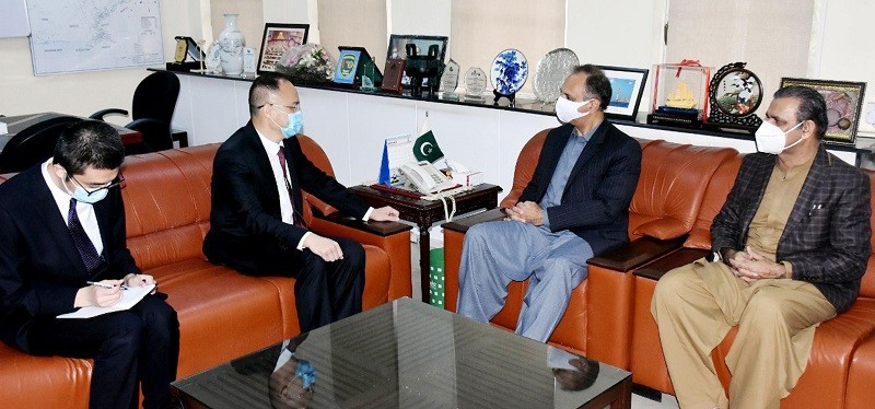 CPEC - The newly appointed Ambassador of China to Pakistan Nong Rong has said that said that China is keen to work with Pakistan in the field of energy including power projects under the China Pakistan Economic Corridor (CPEC). In a meeting with the Federal Minister for Energy Omar Ayub Khan in his Office in Islamabad on Monday, the envoy appreciated the government's commitment to reform the Energy Sector. During the meeting, both sides reviewed the progress of power projects under the CPEC and agreed to continue the cooperation in field of energy in mutual interest of both Countries.  The Chinese ambassador thanked and appreciated the efforts of the government of Pakistan and the Ministry of Energy to expedite the progress of power projects under the CPEC. Talking to the ambassador, Omar Ayub highlighted the provision of power & energy to establishment of Special Economic Zones (SEZs), and said that it would boost economic activity along with creation of thousands of new jobs in the Country. The minister also apprised the envoy about the initiatives by the current government to curb the distribution & transmission losses in the Power Sector.  Omar Ayub Khan said that the focus of our government is to lower the cost of power generation by increasing Renewable Energy.  The federal minister said that the sustainable & affordable structure of energy tariffs will be beneficial for positive economic trajectory of the Country.  The Chairman CPEC Authority General (retd) Asim Saleem Bajwa and Special Assistant to Prime Minister on Power Tabish Gouhar, and the Secretary Power Ali Raza Bhutta were also present at the meeting.