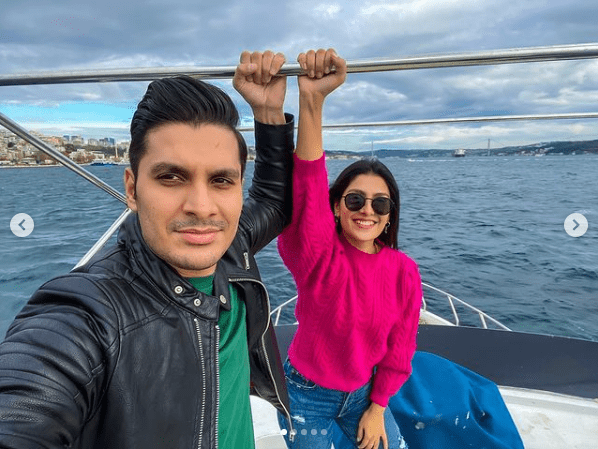 Ayeza Khan Shares Adorable Family Pictures From Trip To Turkey!