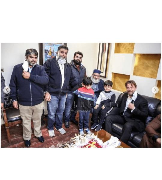Ertugrul Star Engin Altan Duzyatan Having Great Time in Lahore! [Pictures]