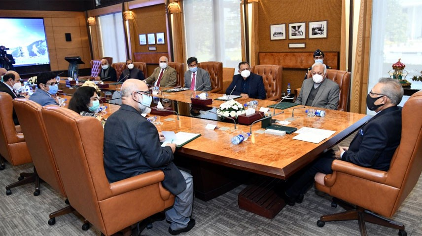 SIAL - President Dr. Arif Alvi has said that the establishment of Sialkot International Airport Limited (SIAL) by the Sialkot Chamber of Commerce and Industry (SCCI) would enhance exports and trade activities besides boosting tourism sector of the Country.  In a meeting with the Management of SIAL at Aiwan-e-Sadr in Islamabad on Wednesday, the president lauded the role of the SCCI in establishing the Country's first private aviation facility, and said that the airport would facilitate exporters and entrepreneurs and would also help accelerate economic activities in the Country.  The president that during the COVID-19 pandemic, the government provided financial stimulus package to mitigate the adverse impact of the coronavirus outbreak on the Country's economy.  Dr. Arif Alvi also appreciated the contribution made by Sialkot's business community in promoting education and providing health facilities at the grassroots level. The meeting was attended by the Federal Minister for Aviation Ghulam Sarwar Khan, the Secretary Aviation Shoukat Ali, the Chairman SIAL Mian Naeem Javed, and the Director General Civil Aviation Authority (CAA) Flight Lieutenant (retd) Khaqan Murtaza.
