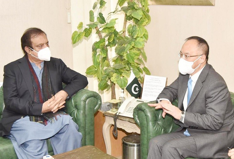 Media ties - The Chinese Ambassador to Pakistan Nong Rong has said that China would extend all possible cooperation to Pakistan for enhancing bilateral media ties. In a meeting with the Federal Minister for Information and Broadcasting Senator Syed Shibli Faraz in Islamabad on Wednesday, the Chinese envoy said that his country has plans to invite a Pakistani media delegation to visit different Cities of China, once the COVID-19 pandemic subsides. The ambassador also emphasized close coordination between media of the two Countries to rebut negativities regarding China-Pakistan Economic Corridor (CPEC) projects. In his remarks, Shibli Faraz underlined the significance of enhancing Pakistan-China bilateral cooperation in the fields of media and culture. The information minister also extended the invitation to his Chinese Counterpart to visit Pakistan to explore avenues for furthering cooperation in the fields of media and information. Senator Shibli Faraz also proposed training of media personnel in light of modern media concepts. The minister further said that Prime Minister Imran Khan is keen to expedite CPEC projects. He also emphasized the need to highlight benefits of CPEC projects for the general public.