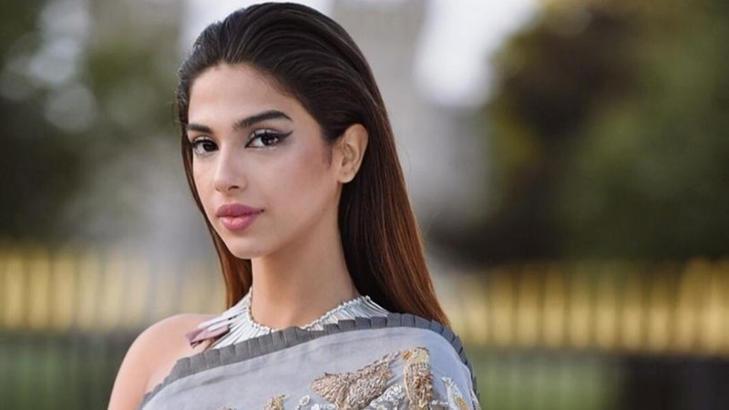 Sonya Hussyn - Top 10 Hot and Stunning Clicks That Will Blow You Away!