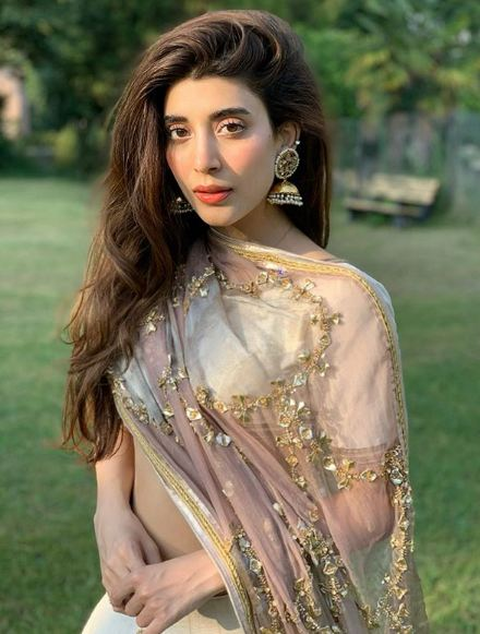 Urwa Hocane Says She's An Introvert And Was Underconfident Once!