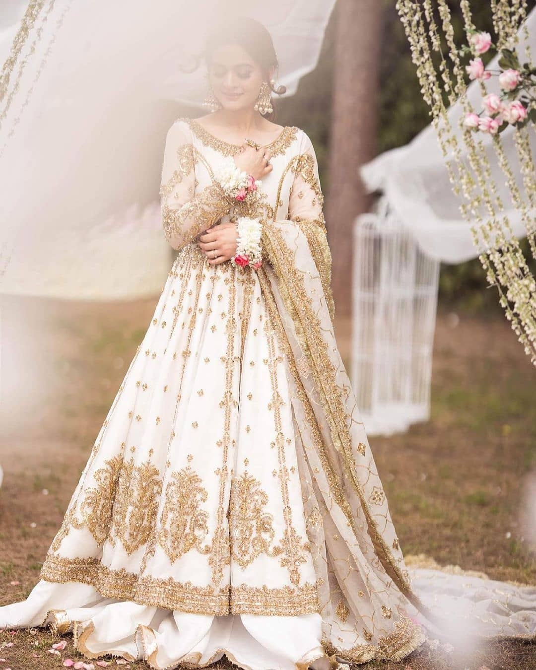 Aiman Khan Looks Drop-Dead Gorgeous in Her Latest Photoshoot!