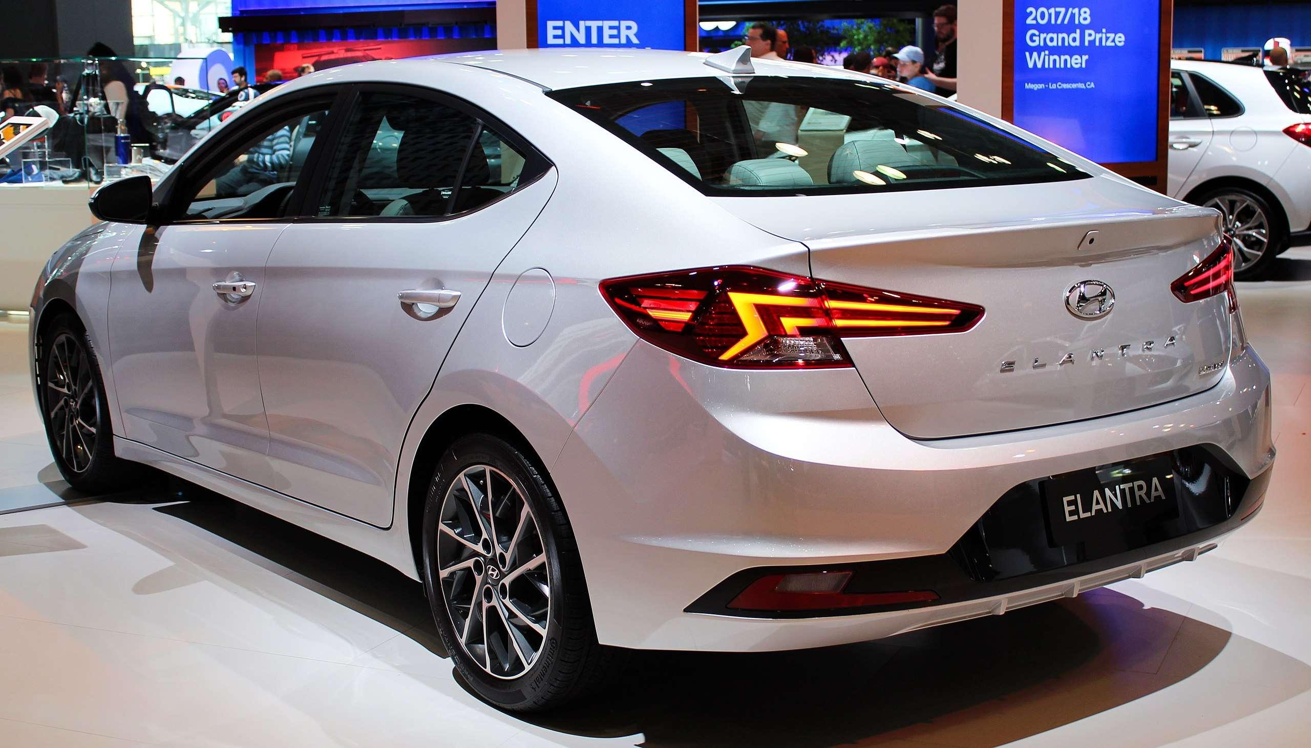 Hyundai Elantra Launching in Pakistan