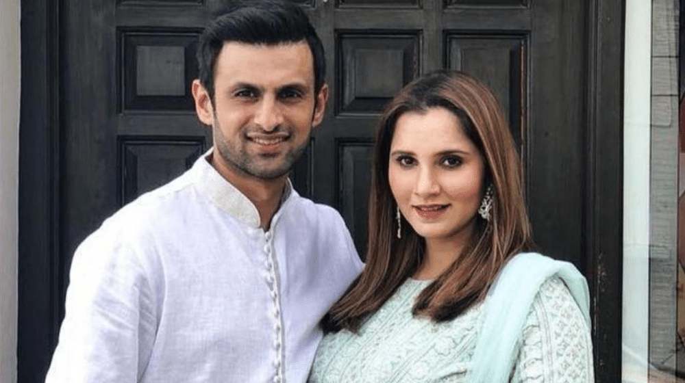 Have you ever wondered about our cricketers being good at acting? Well, we have seen them posing for some photoshoots and ads as well. However, we haven't watched any one of them trying their luck in dramas. So, our all-rounder Shoaib Malik has decided to prove that he can do anything. The cricketer has revealed during an interview that he will soon be making a debut in acting. Here we have got further details on this news!  Shoaib Malik All Set To Make Acting Debut - Details Inside!   Pakistan's world-class cricketer Shoaib Malik revealed that he has recorded scenes for a drama serial. According to Shoaib Malik, the drama will soon be aired on television, leaving his fans stunned. As soon as this news went viral on social media, the fans are in frenzy to know the details of his project.  The celebrated batsman has frequently shown up in Ramadan shows during the holy month. Now, he is all set to do an experiment with his talent in the acting field. Shoaib Malik talked about it during a TV show, Time Out With Ahsan Khan.  Responding to a question by the host, Malik said that the audience will soon see him on the television. He further added that he had recorded scenes at multiple places.  The cricket star said that he is trying to keep his focus on cricket as there is a lot to be achieved in this field.  However, he said that new experiments should be made in life.  About Shoaib   Shoaib Malik is a Pakistani cricketer who plays for the Pakistan national cricket team and Peshawar Zalmi in the Pakistan Super League. He was the captain of the Pakistan national cricket team from 2007 to 2009.  So, what do you think about this decision of cricketer Shoaib Malik? Don't forget to share your valuable feedback with us!