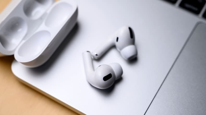 How to check AirPods battery on Mac